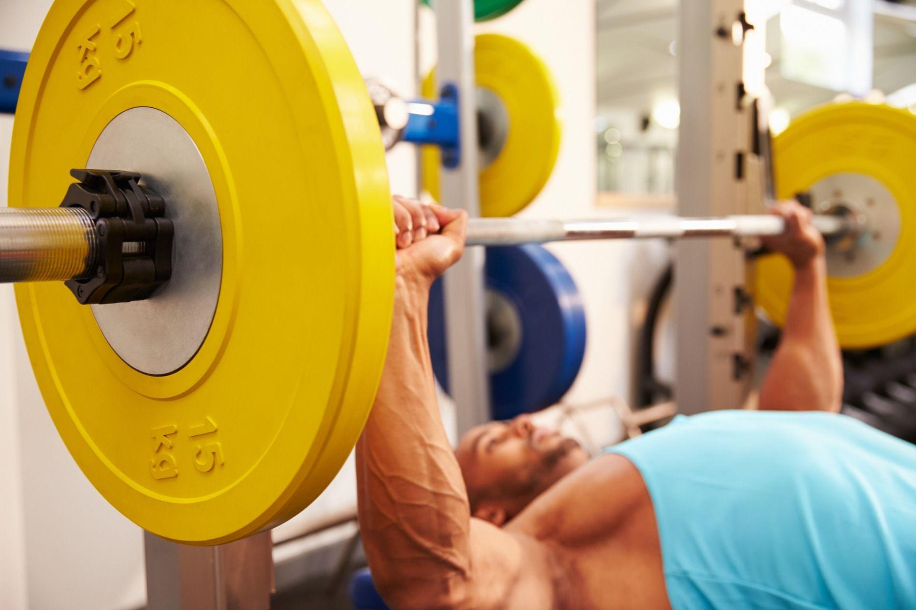 Bench press - cel mai bun exercițiu pentru dezvoltarea masei musculare
